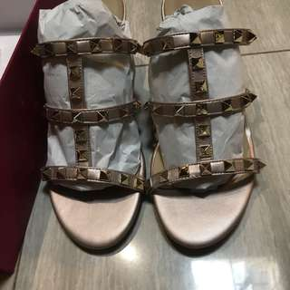 valentino sandals rose gold size 36