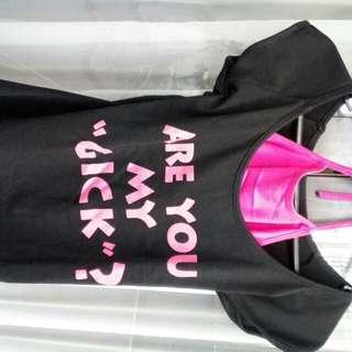 Kaos hitam daleman pink