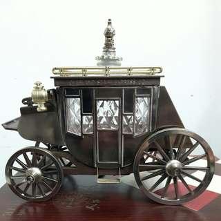 馬車造型酒瓶音樂盒