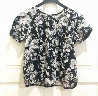 Mika & Gala Loose Floral Top