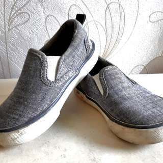 sepatu GAP