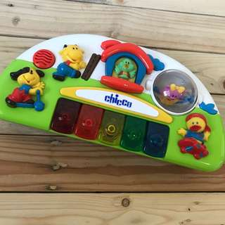 Chicco musical piano