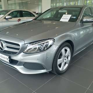 Mercedes-Benz C180 pre-owned