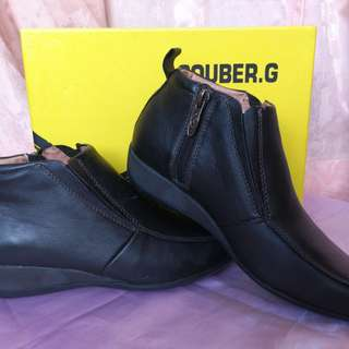 Couber G Black Shoes