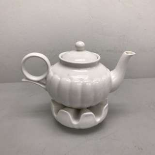 Tea pot with warmer