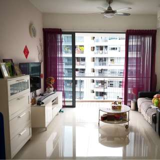 Pasir ris MRT nice 4 bedrooms condo fir rent
