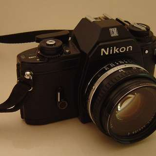 NIKON EM body +/- 35mm lens