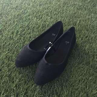 H&M Black Flats (BNWT)