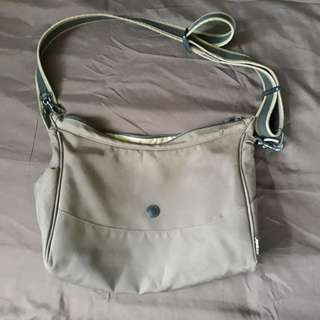 Pacsafe sling bag