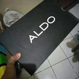 Saya jualbsepatu ALDO