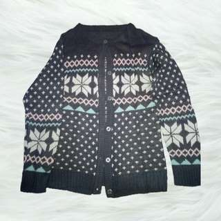 Sweater cardigan rajut