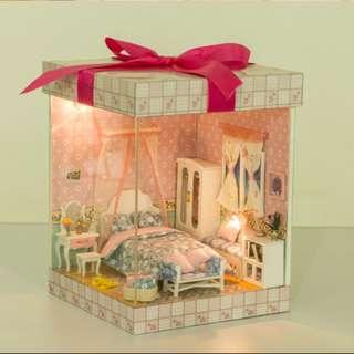 (Do-It-Yourself) Princess Gift Box