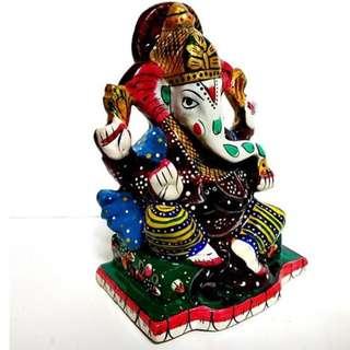 Painted Ganesha using fusion meenakari art