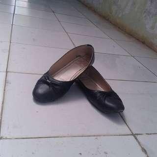 Woman Black Shoes #IPB2018