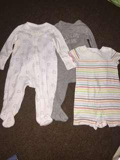 Baby Gap bodysuit set