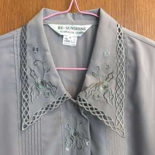 s/m/l Vintage embroided grey blouse