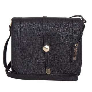 REPRICED 💯 Kenneth Cole Saddle Classic Bag