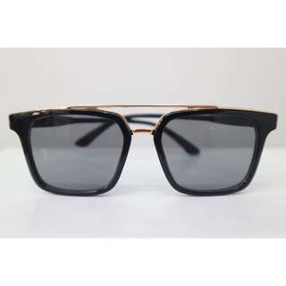 kacamata hitam anak