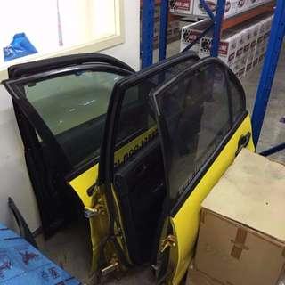 Mitsubishi CT9A Doors