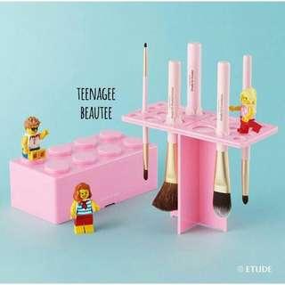 Etude House Pink Brick Brush Drying Stand