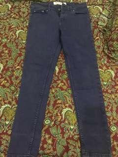 Jeans ungu