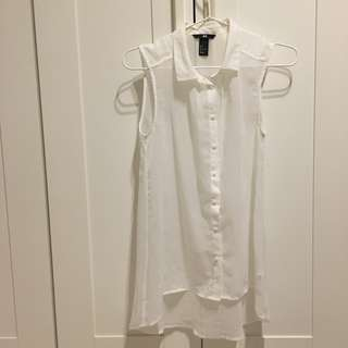 H&M Collared Button Down Sleeveless Top in White