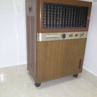 Antique air conditioner