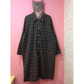 [彩色櫥窗]好搭格子寬鬆長襯衫洋裝外套(灰)