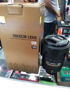 Nikon Nikkor Lens 18-300mm f/3.5-5.6G ED VR