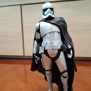 Star Wars 1/10  phasma figure