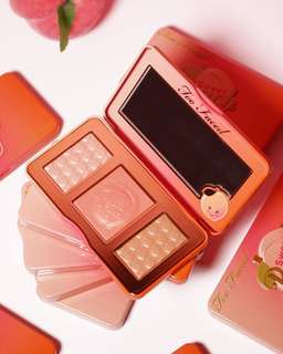 💄❤️ Too faced Sweet Peach Glow Kit Bronzer Kit Blush Kit Contour Kit