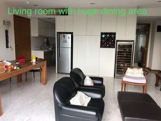 Fully furnished exclusive top floor unit in Bukit Timah