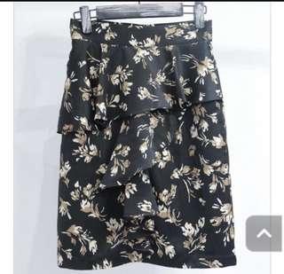 Korean black floral skirt
