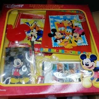 Disney 香港郵政米奇與好友集郵工具