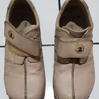 Sepatu anak laki semi boots size 32