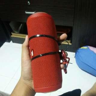 Red JBL Flip 4