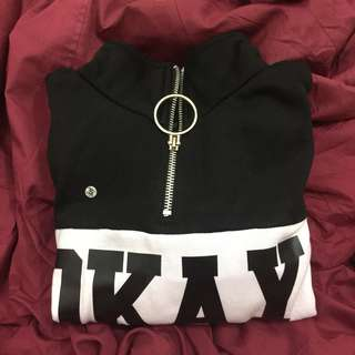 """OKAY"" Crop Hoddie"