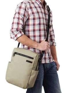 PacSafe Intasafe Z200 Anti Theft compact travel bag 💼