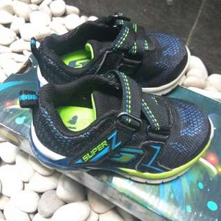 Sepatu kets bayi laki2