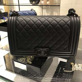 Chanel Le Boy all black