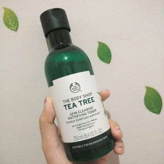The Body Shop Tea Tree Clearing Toner