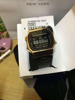 Casio watch Black/gold