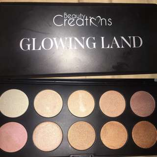 Beauty Creations Glowing Land Palette