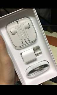 100% original iphone earphones and charger BRAND NEW