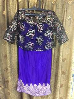 Dress brokat ungu