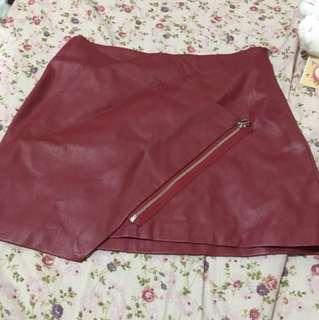 Zara酒紅皮裙