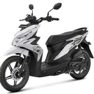 Honda Beat Street Putih