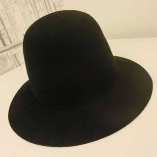 🚚 Agnes b寬沿帽