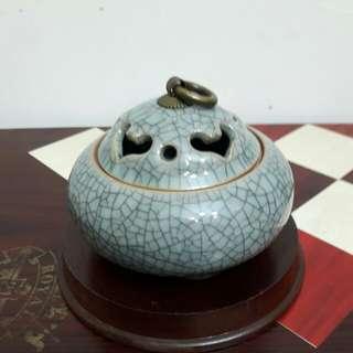 龍泉青瓷薰香爐