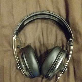 Sennheiser momentum 2.0 bluetooth over ear headphones